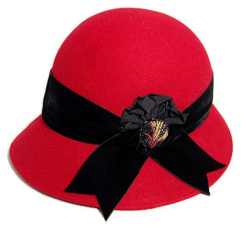 帽子の材料:ウールフェルトのクロッシェ