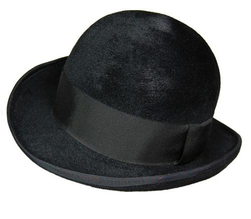 帽子の材料:ファーフェルト(ベロア)のボーラーハット